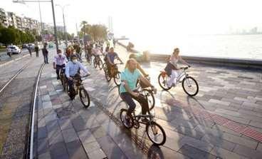 Bisikletliler Çocuklar İçin Pedallayacak