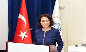 """DEÜ Tıp Fakültesi'nde Hazırlanan """"İzlenebilir Yaşlı Bakım"""" Projesi'ne İZKA'dan Destek"""